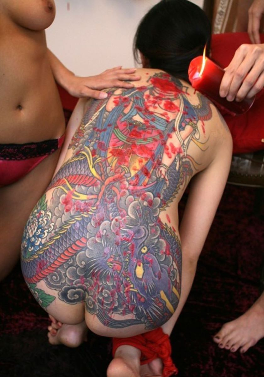 和彫りの刺青エロ画像 33