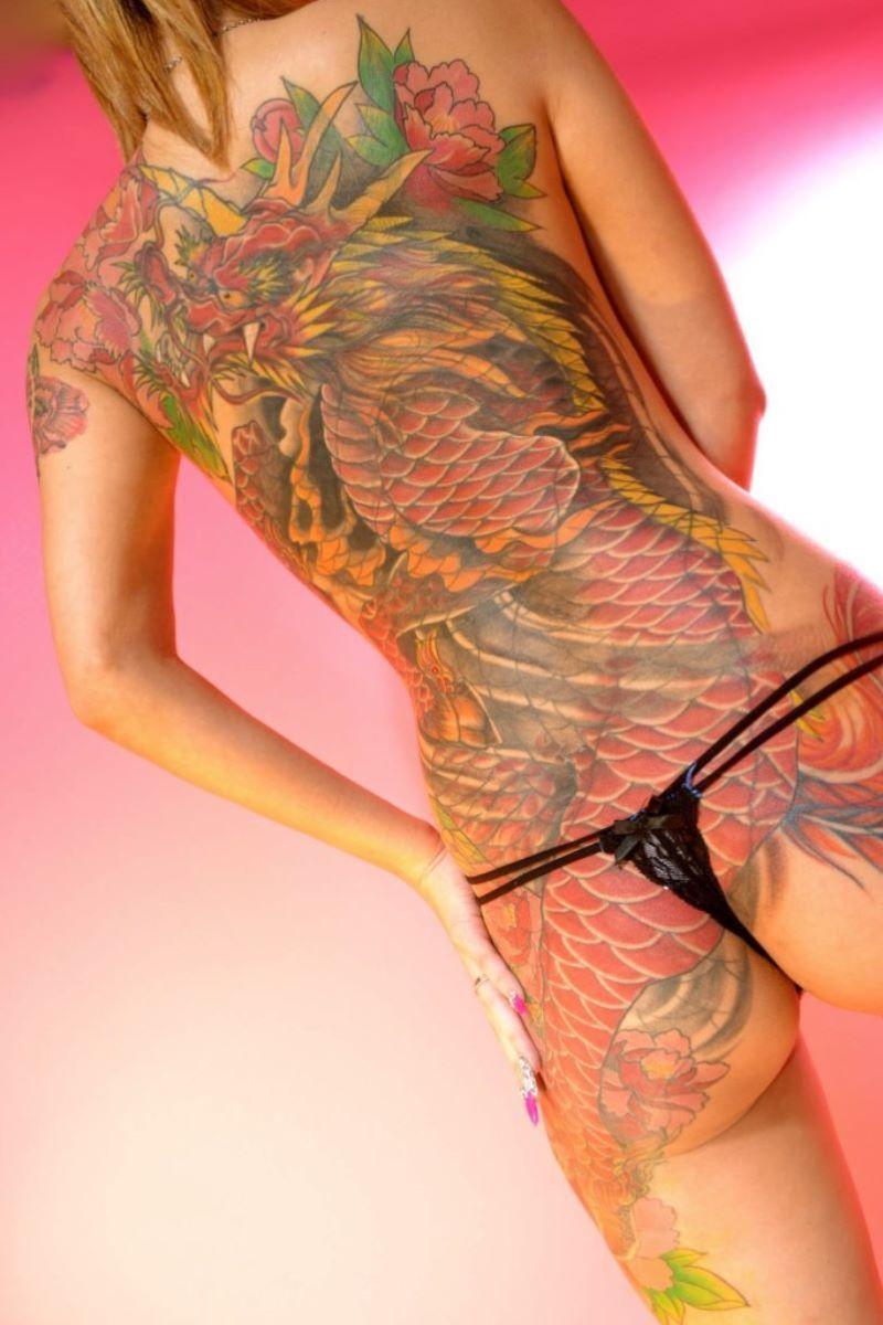 和彫りの刺青エロ画像 66