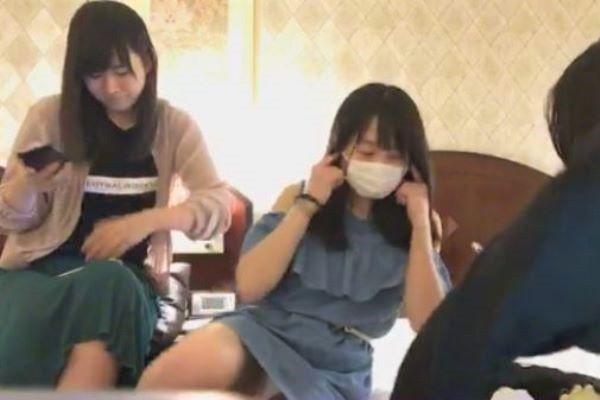 AKB48 坂口渚沙 純白パンツ パンチラ画像 2