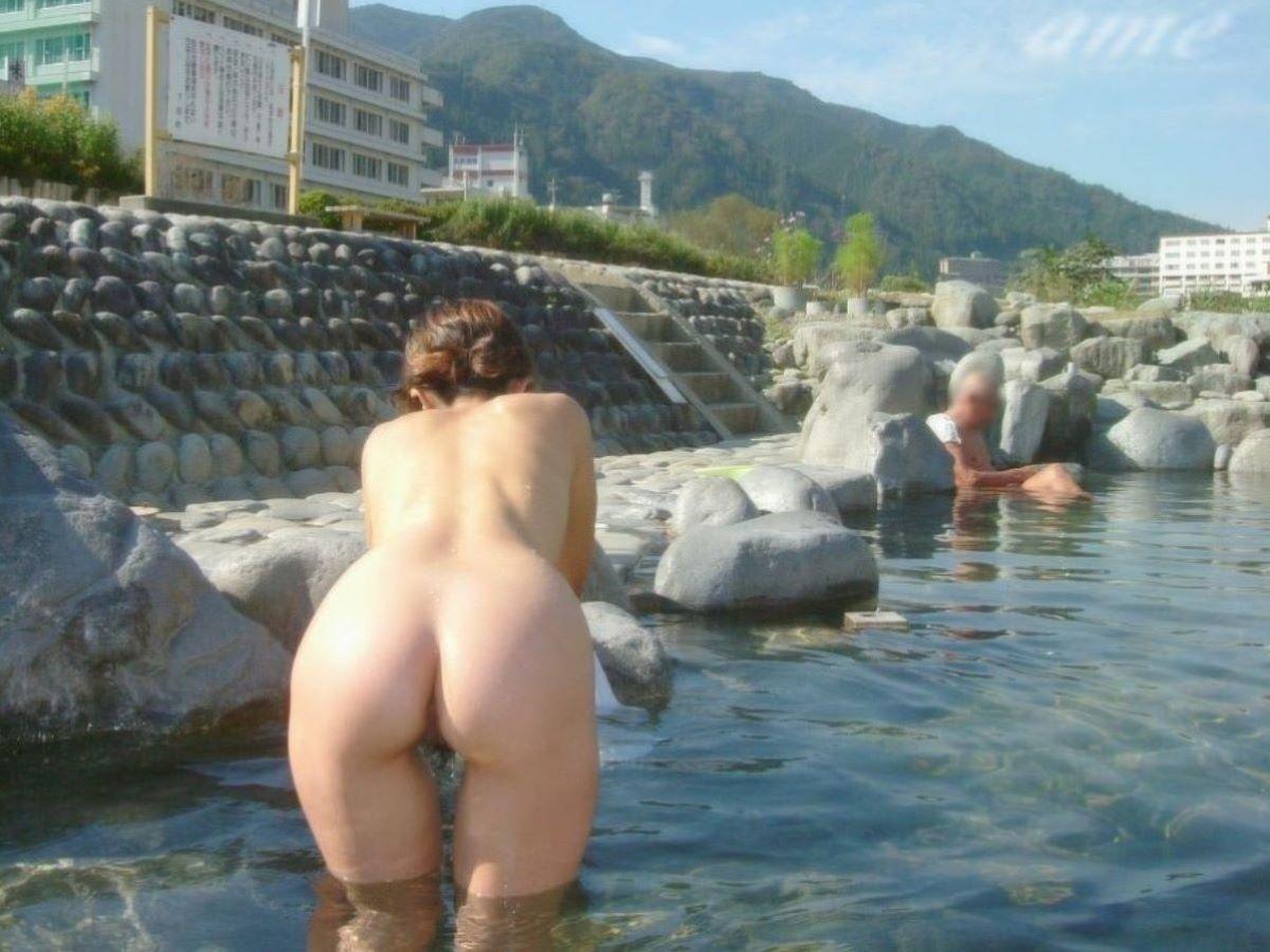 混浴露天風呂 エロ画像 41