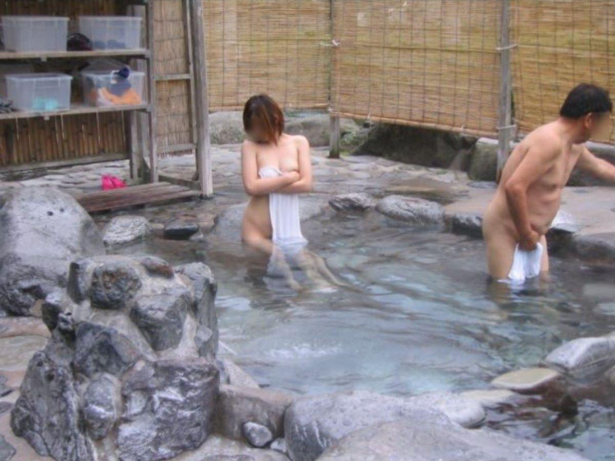 混浴露天風呂 エロ画像 51