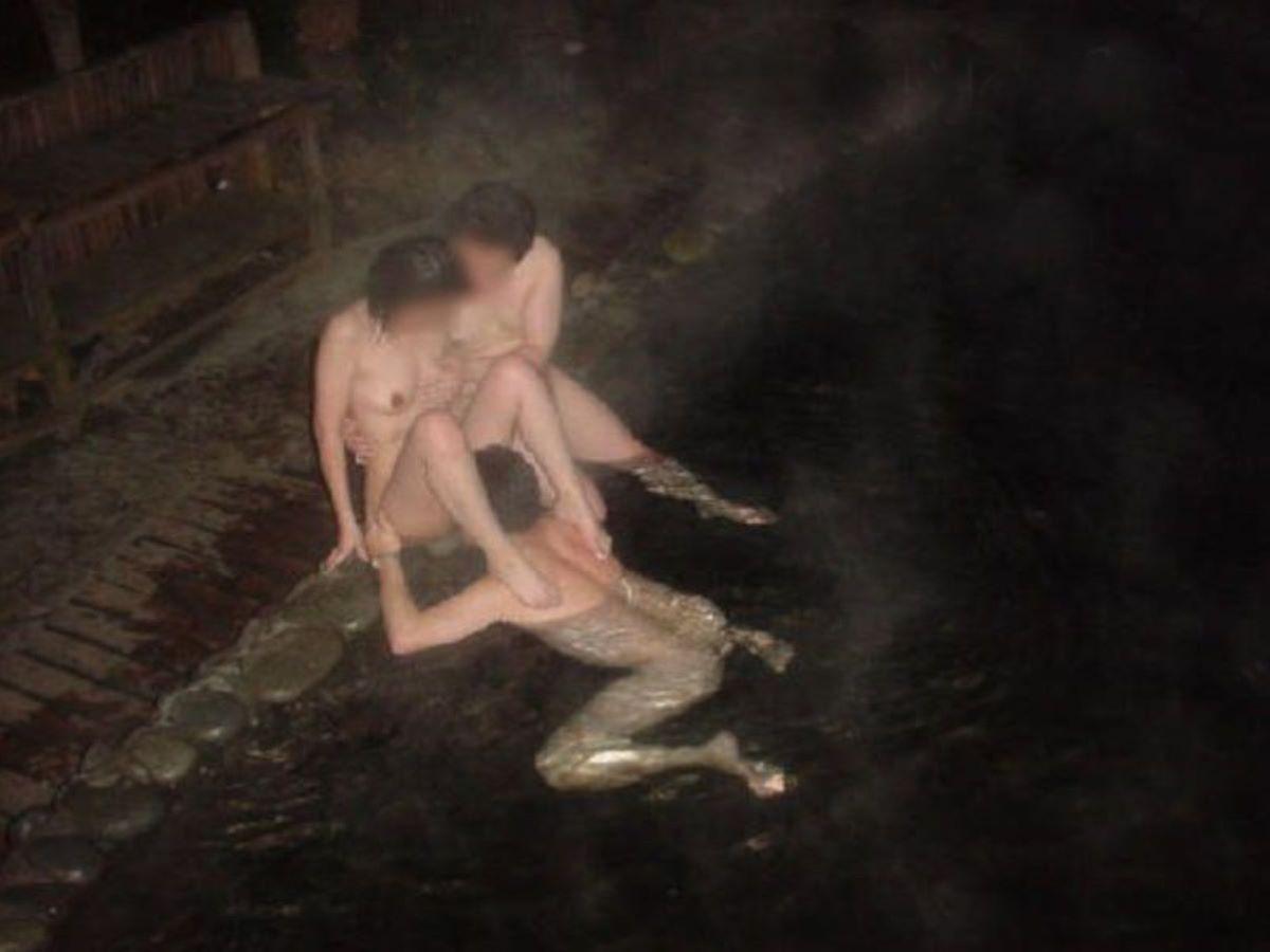 混浴露天風呂 エロ画像 120