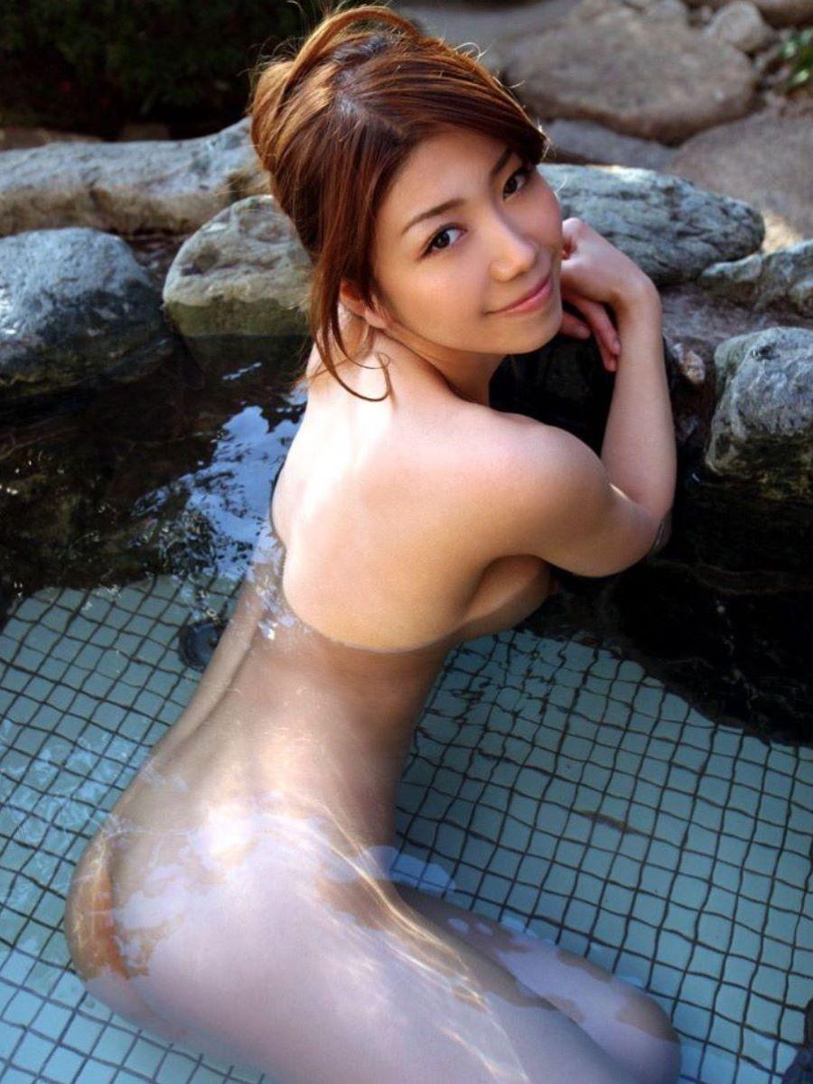 温泉 ヌード画像 8
