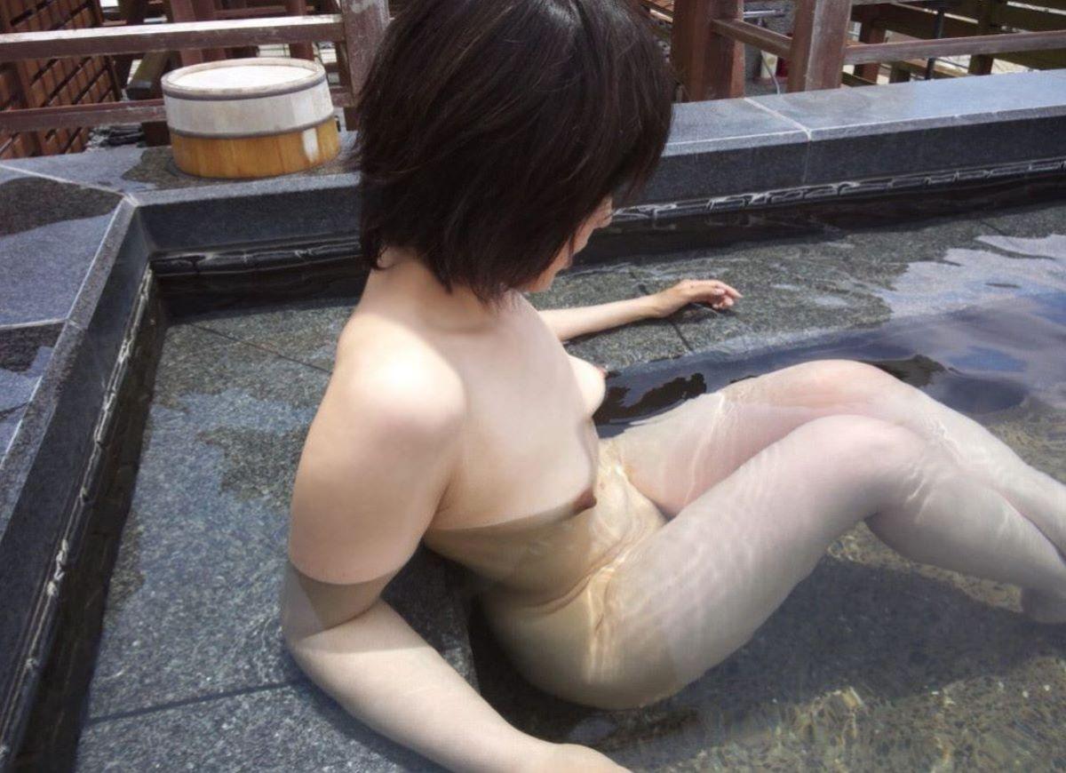 温泉 ヌード画像 15
