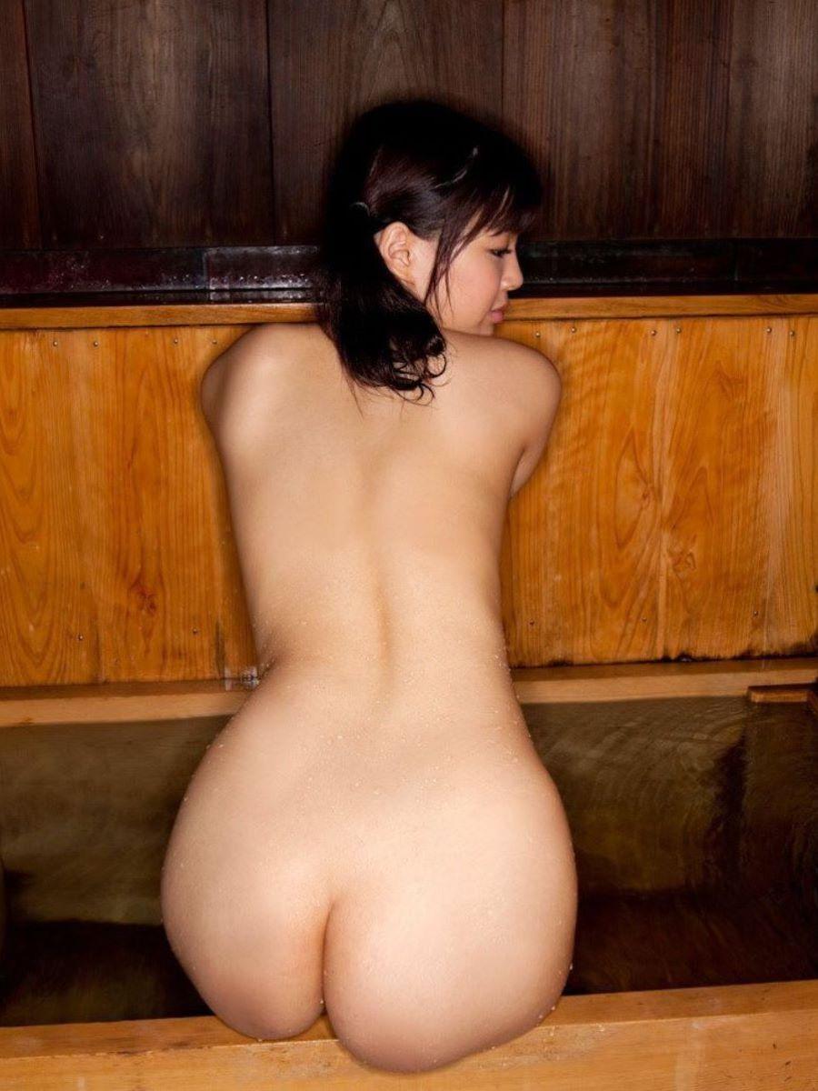 温泉 ヌード画像 26