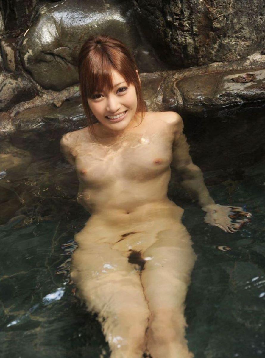 温泉 ヌード画像 36