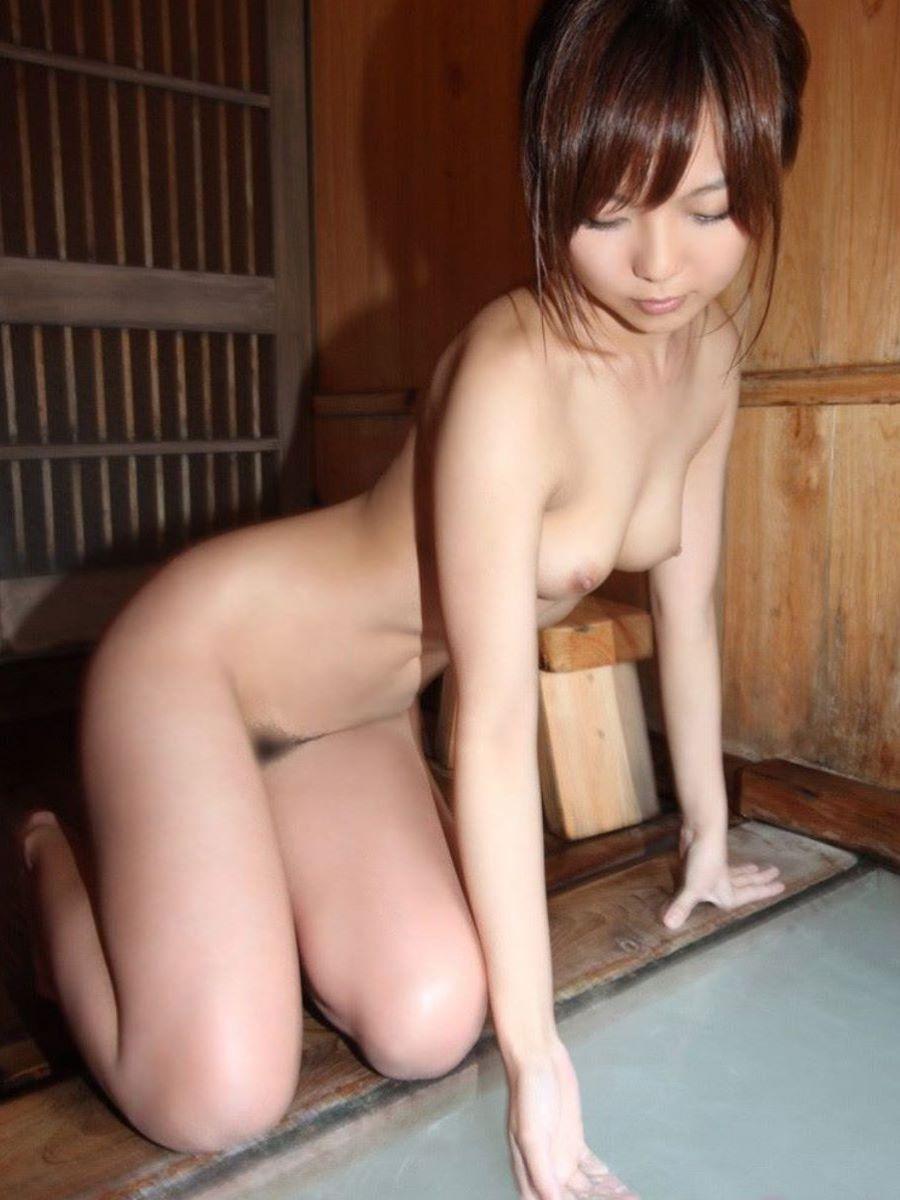 温泉 ヌード画像 65