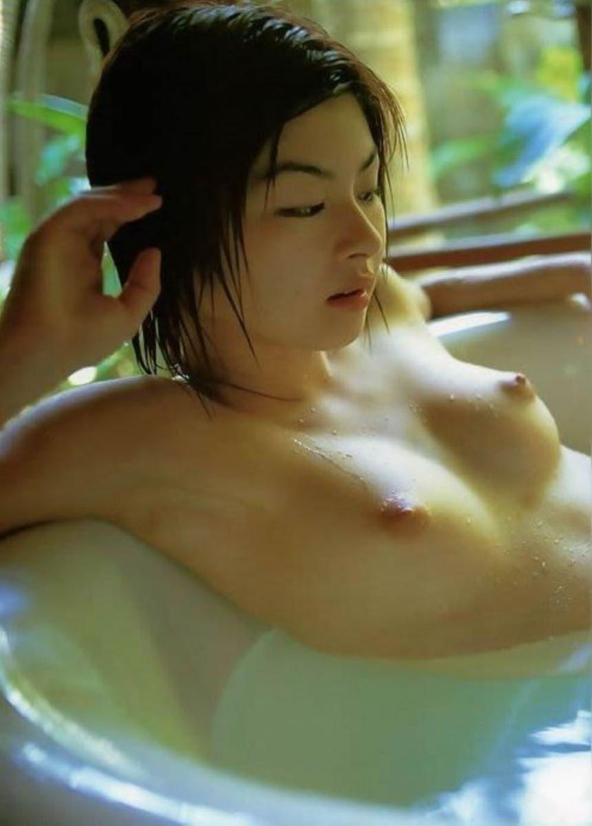 温泉 ヌード画像 143