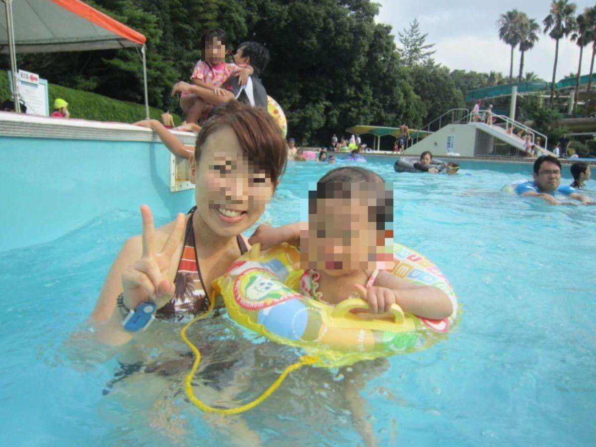 若い子連れママ 水着画像 4