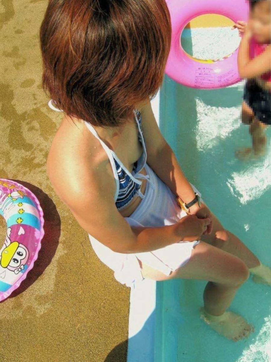 若い子連れママ 水着画像 10