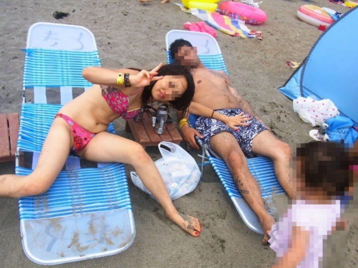 若い子連れママ 水着画像 16