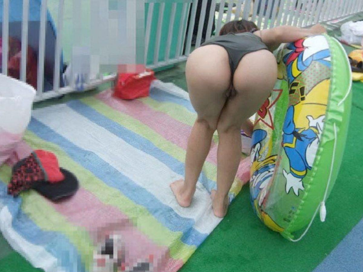 若い子連れママ 水着画像 52