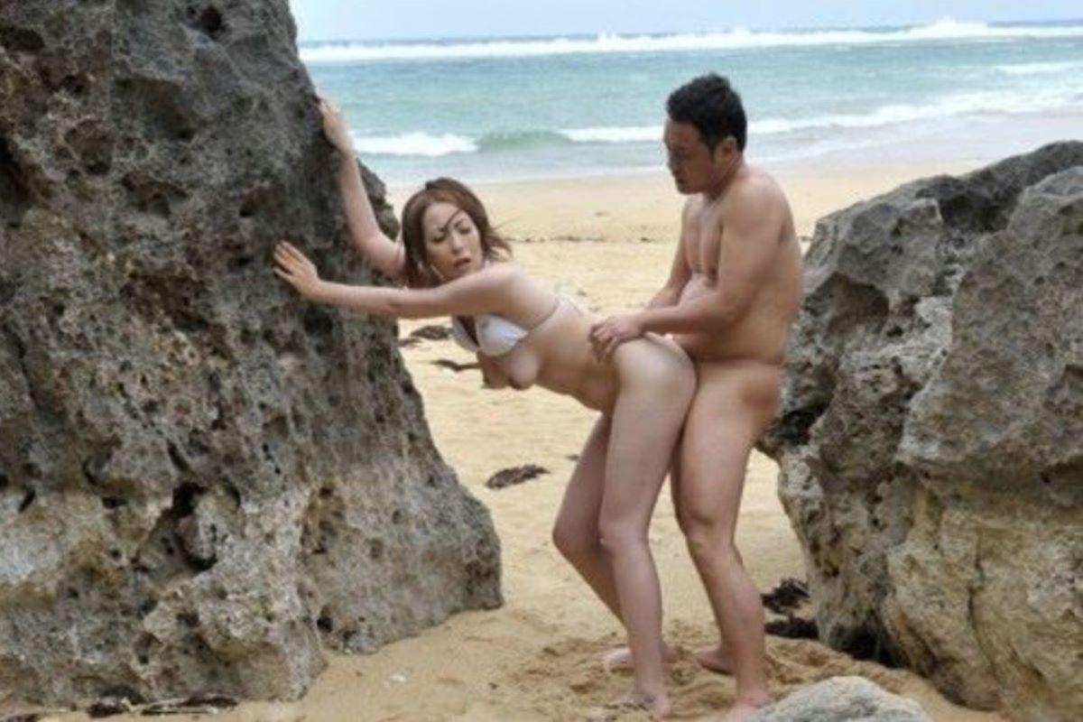 ビーチセックス 画像 15