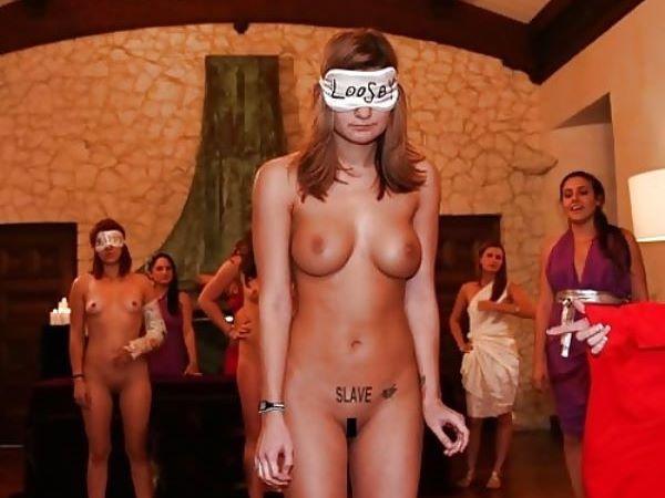 性奴隷オークションが実在していた…(※画像あり)