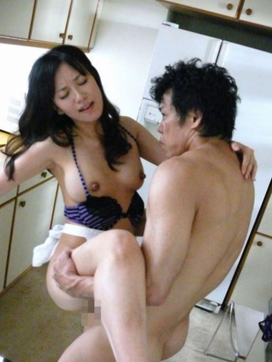 対面立位 セックス 画像 36