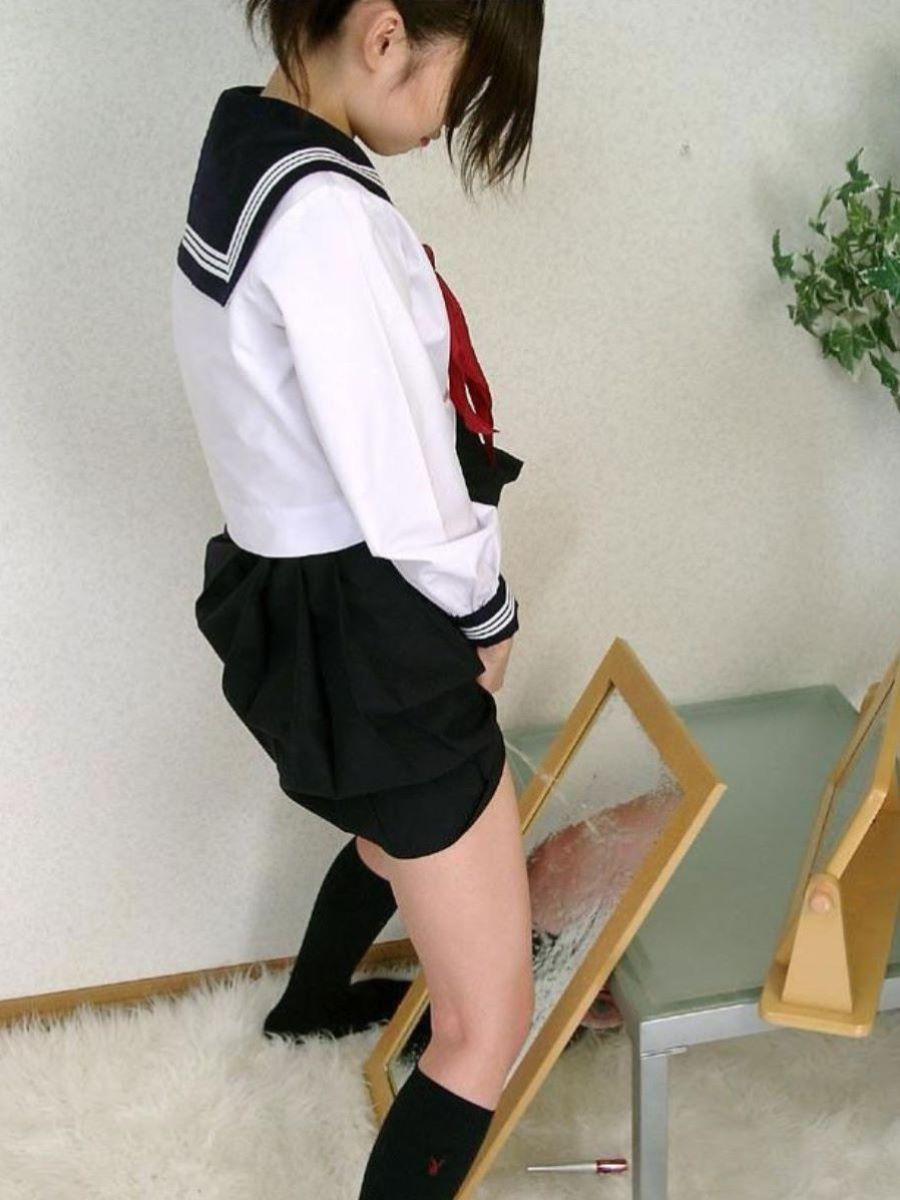 女 立ちション 画像 82