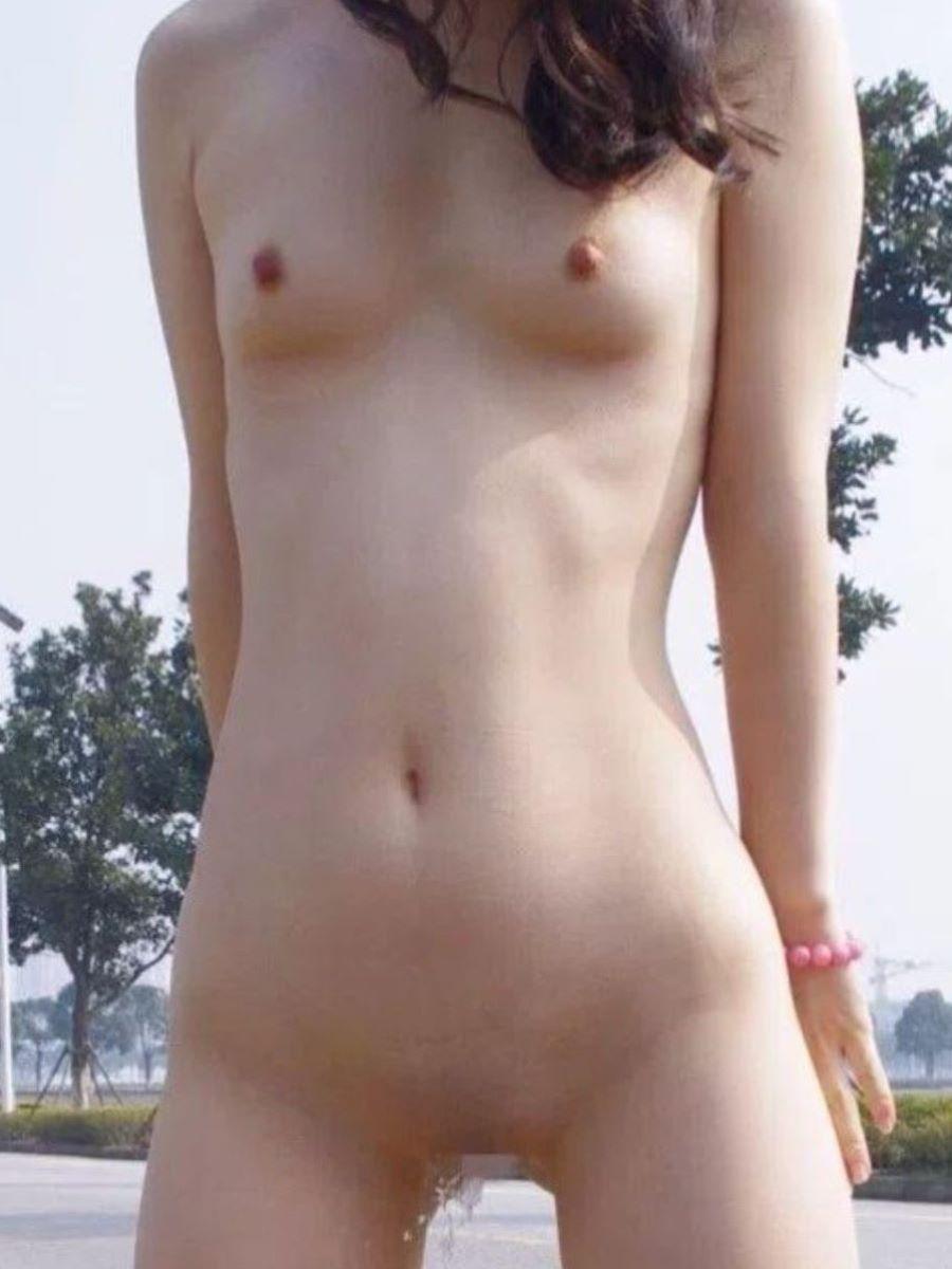 女 立ちション 画像 135