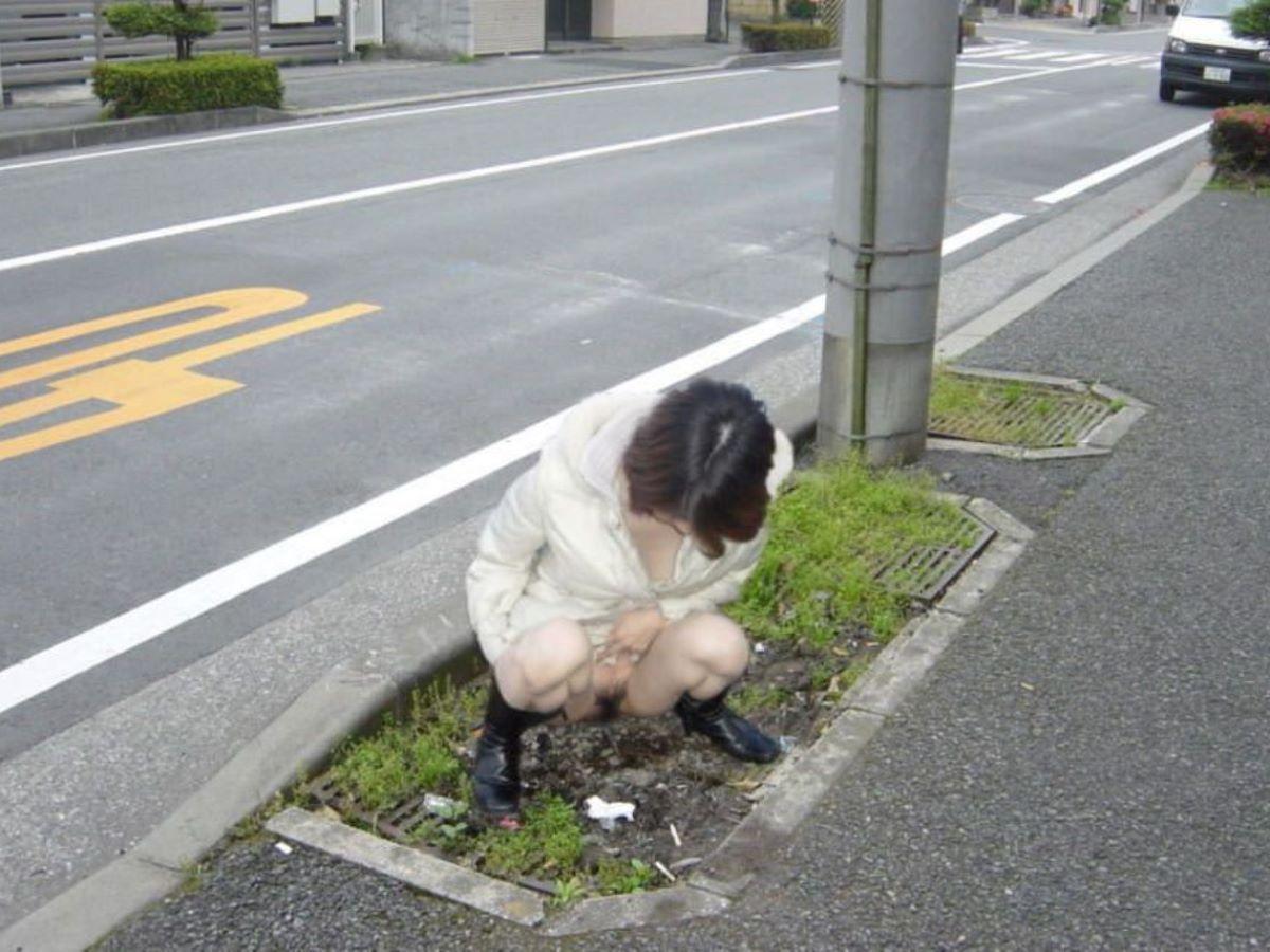 野外放尿 画像 101