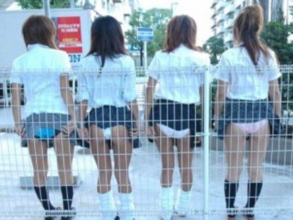 若い女子 パンチラ 写真 ぐうシコ エロ画像 2