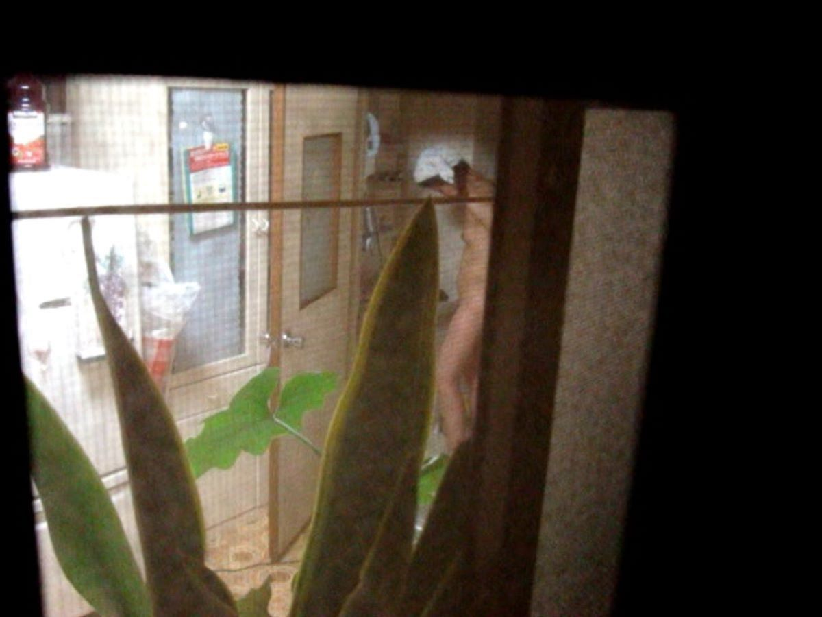 お風呂上がり 家庭内 エロ画像 76