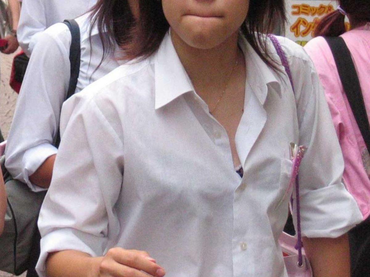 JK 胸チラ 画像 5