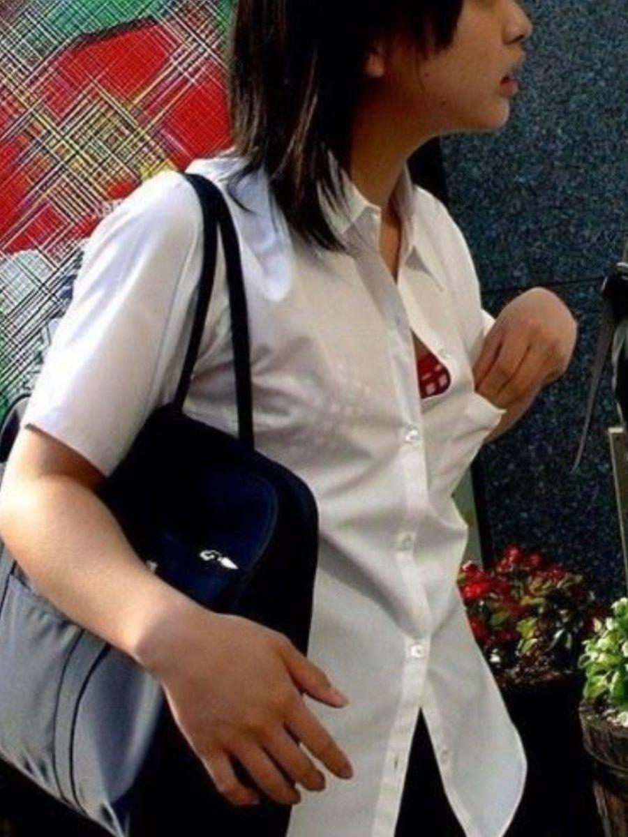 JK 胸チラ 画像 8