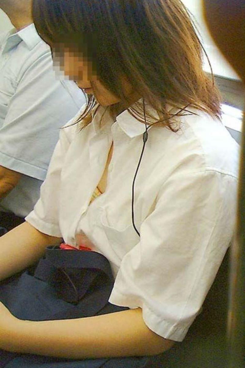JK 胸チラ 画像 36