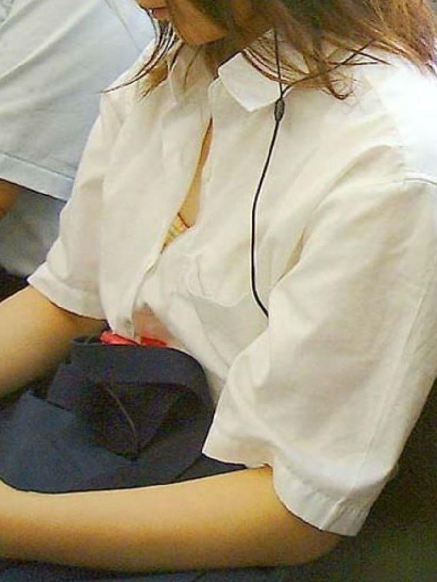JK 胸チラ 画像 37