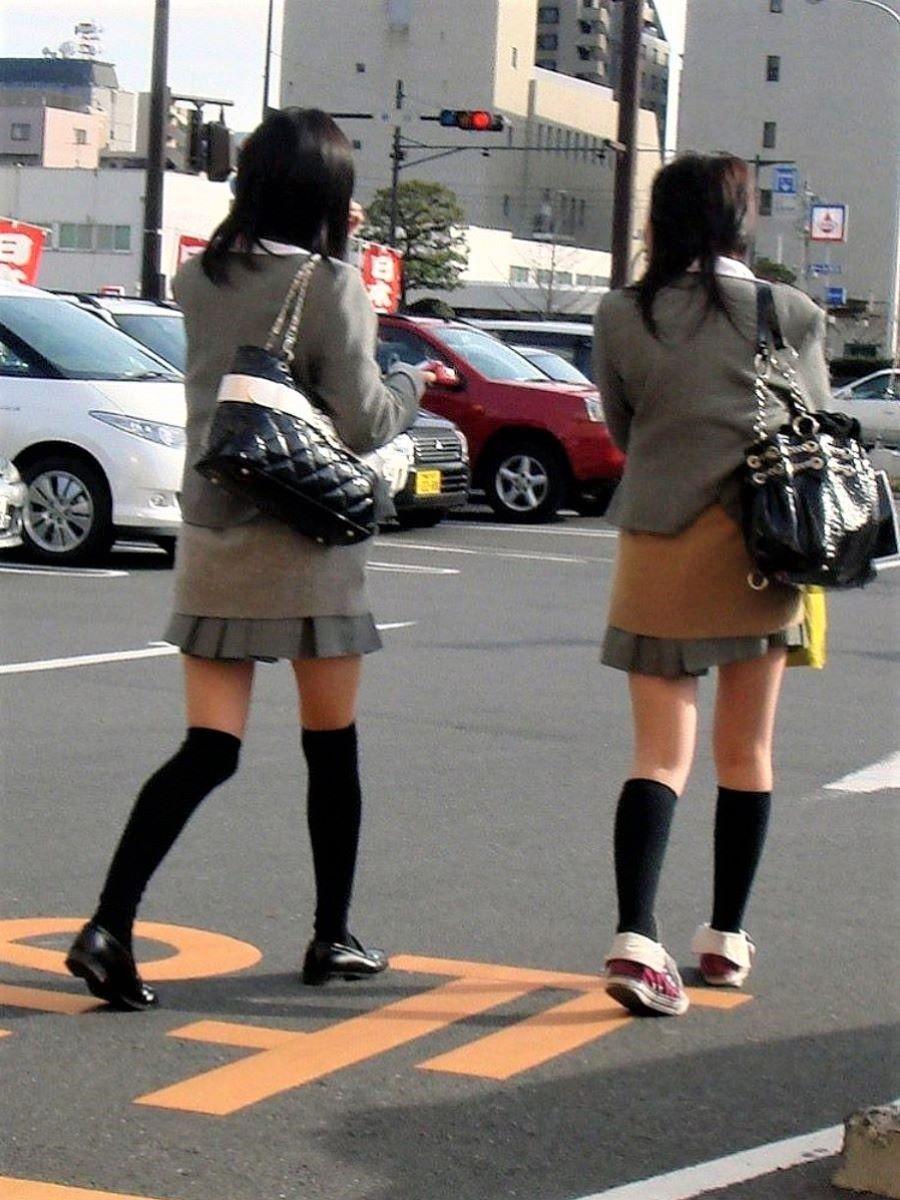 制服 ニーハイ 画像 2