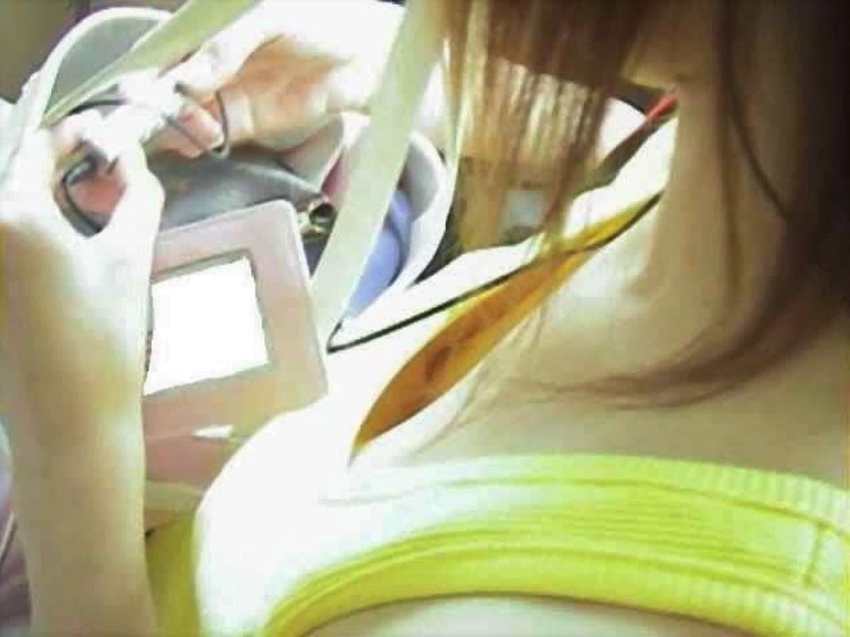 素人 乳首チラ 画像 105