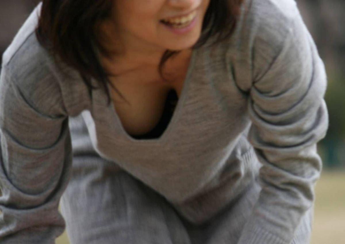 熟女 胸チラ 画像 144