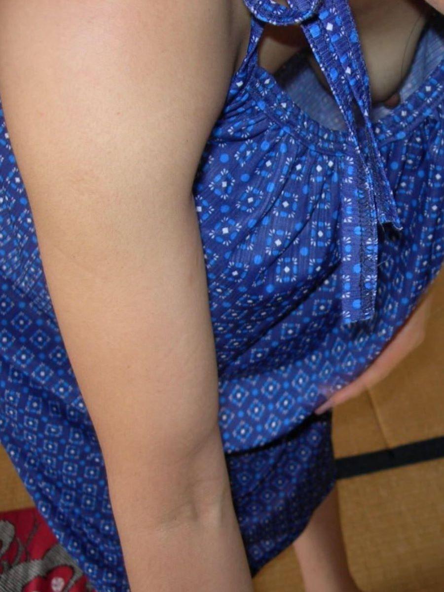 貧乳 素人 胸チラ画像 25