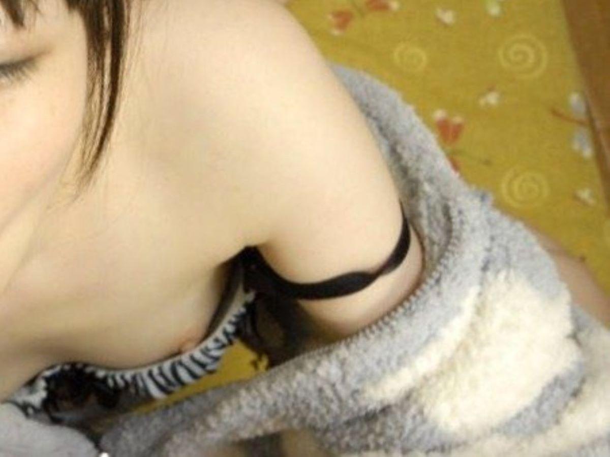 貧乳 素人 胸チラ画像 142