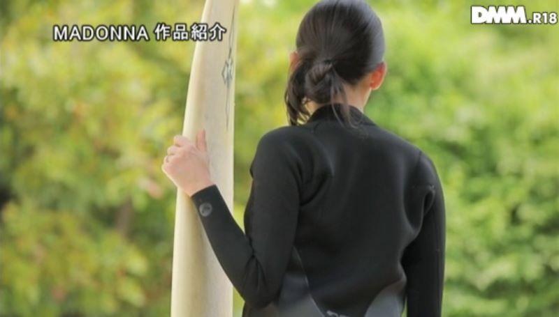 人妻 サーファー 黒木れん 画像 27