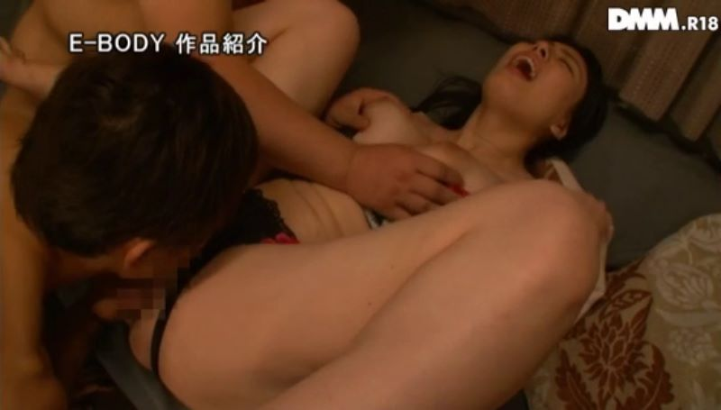 巨乳人妻スイマー 喜山エリカ 画像 57