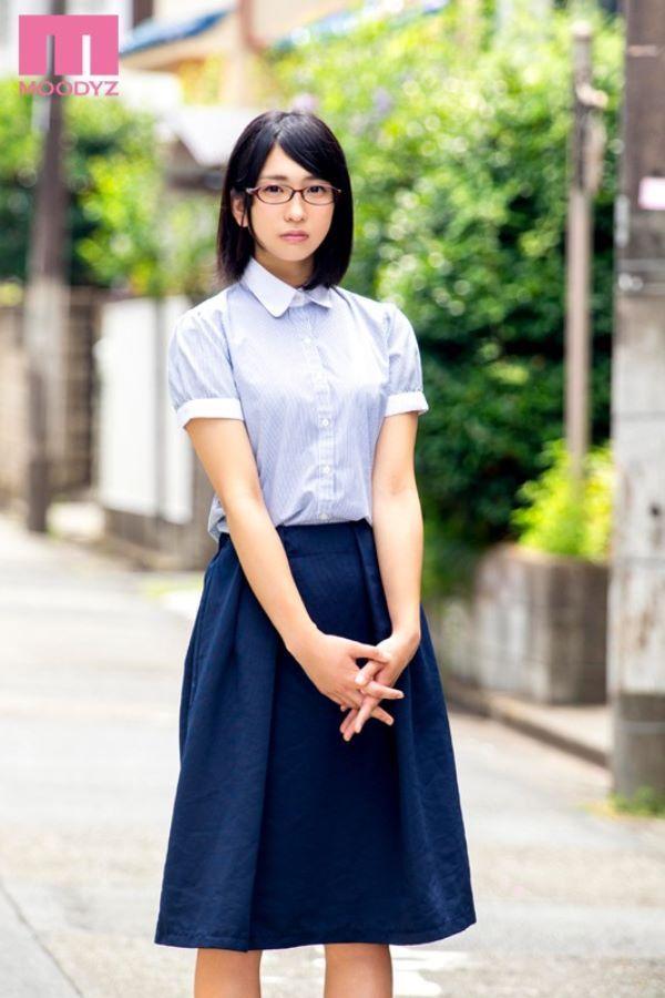 高杉麻里 地味でエッチな眼鏡女子のAVデビュー画像