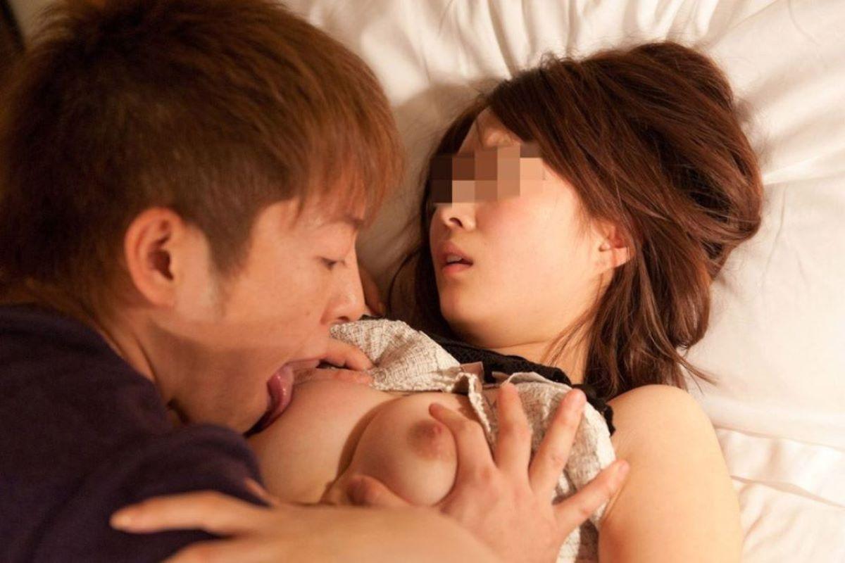乳首 舐め 吸い 画像 96