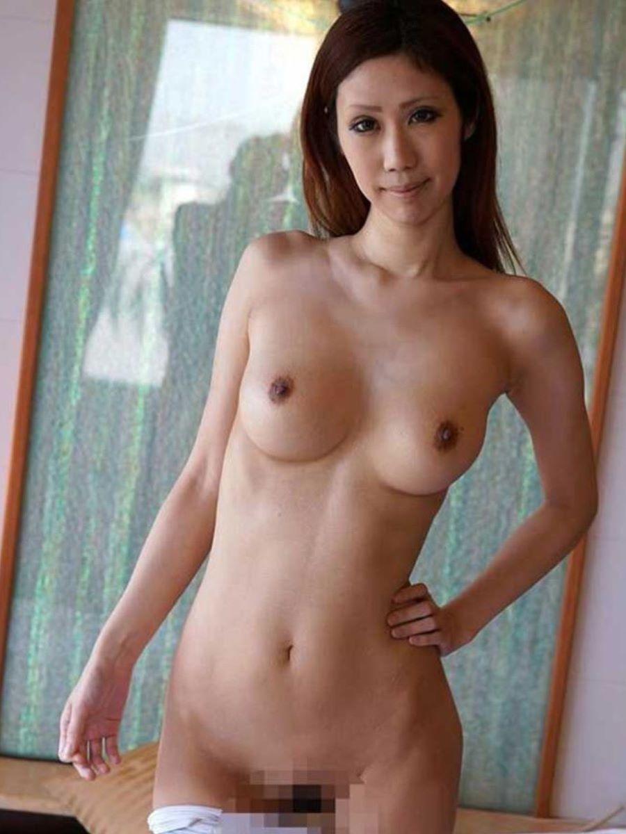 熟女 黒乳首 画像 62