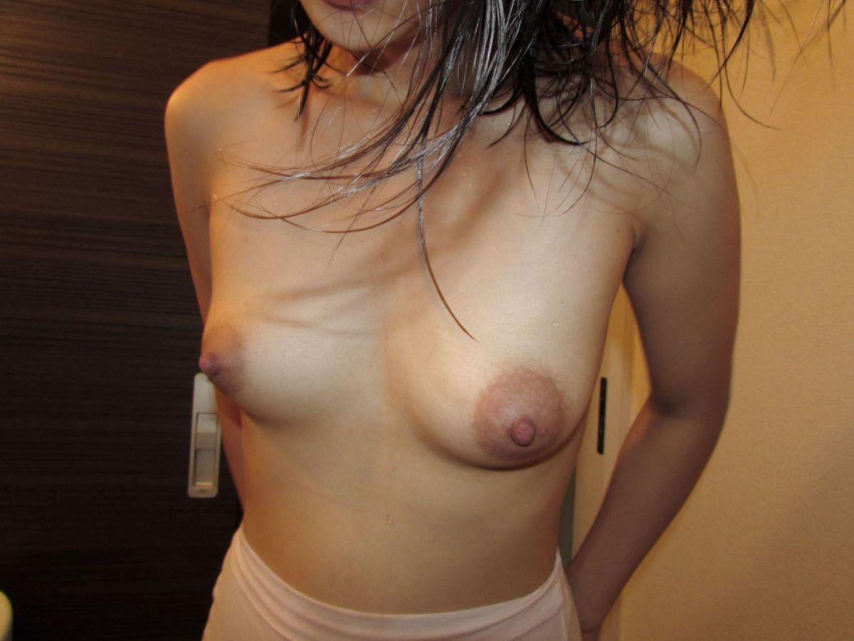 熟女 黒乳首 画像 78