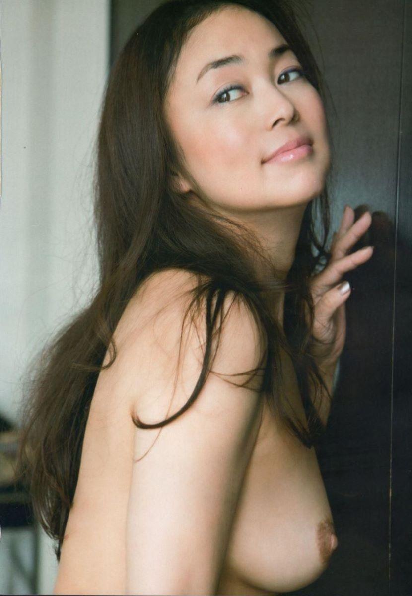 熟女 黒乳首 画像 79