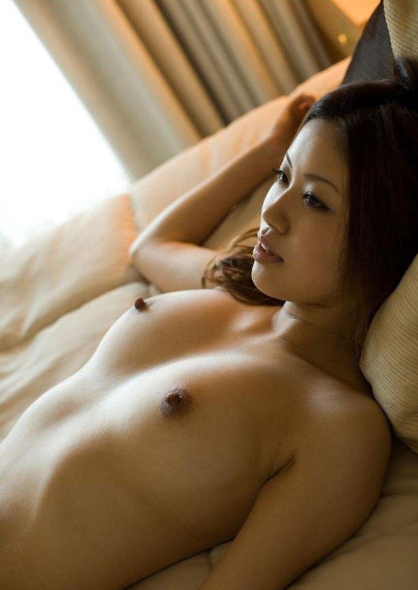熟女 黒乳首 画像 94