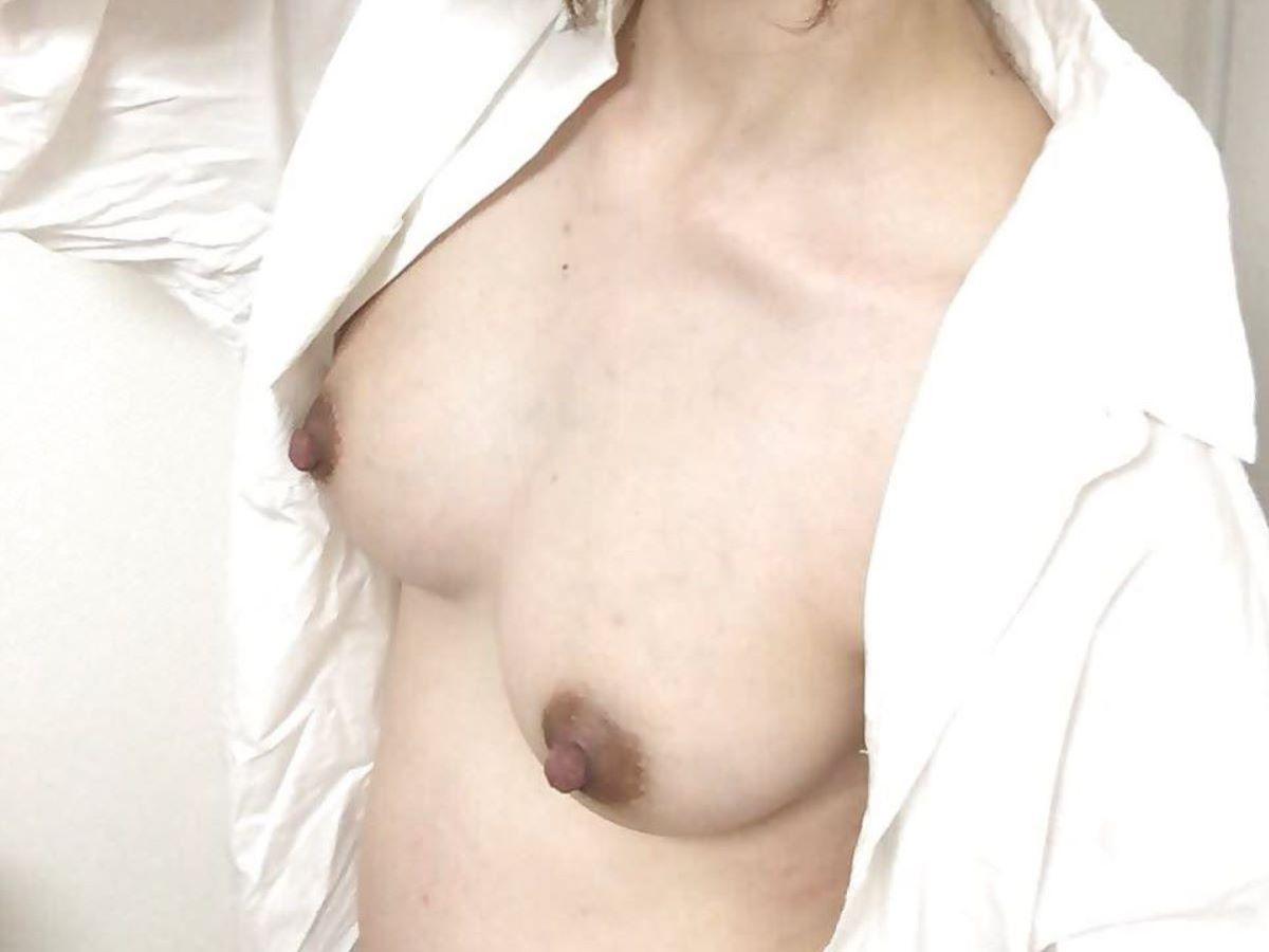熟女 黒乳首 画像 109