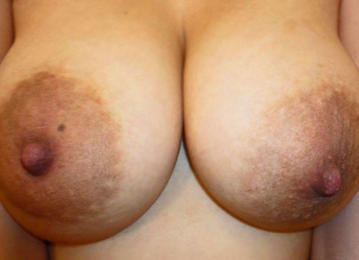 熟女 黒乳首 画像 119