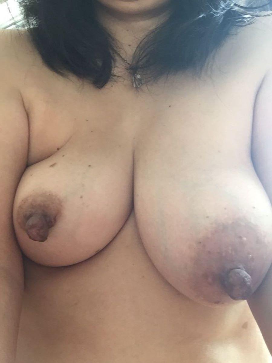 熟女 黒乳首 画像 151