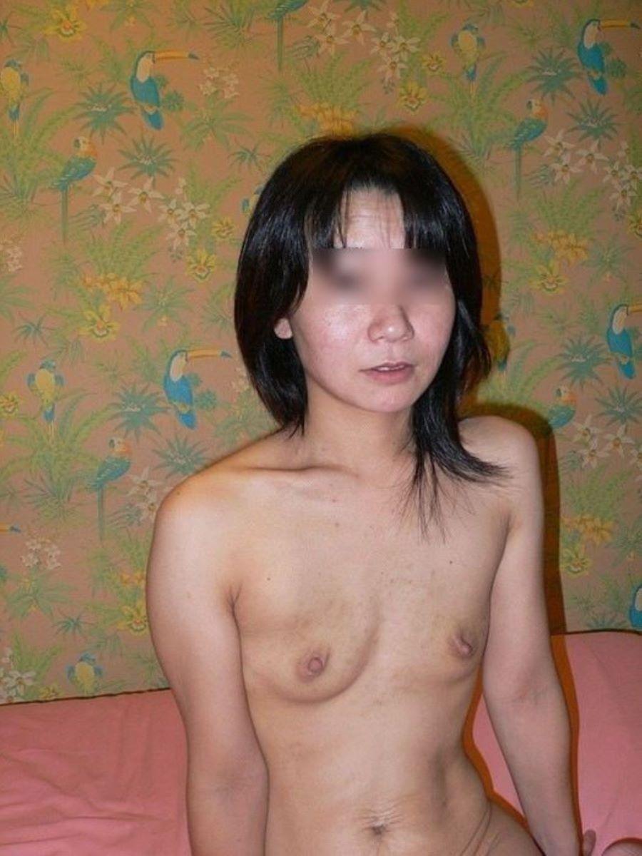 素人 貧乳熟女 エロ画像 21