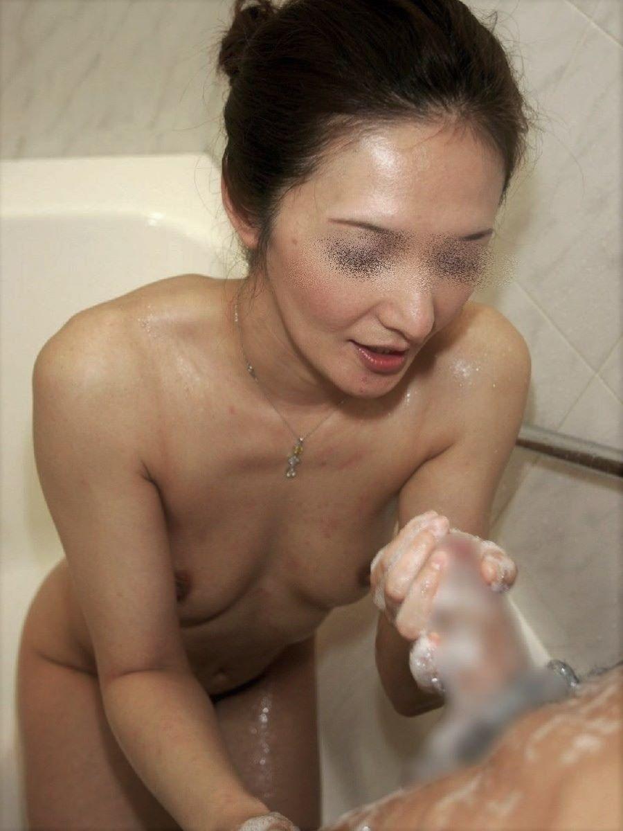 素人 貧乳熟女 エロ画像 31