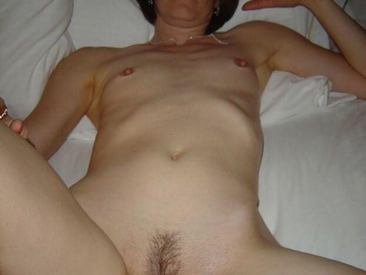 素人 貧乳熟女 エロ画像 48
