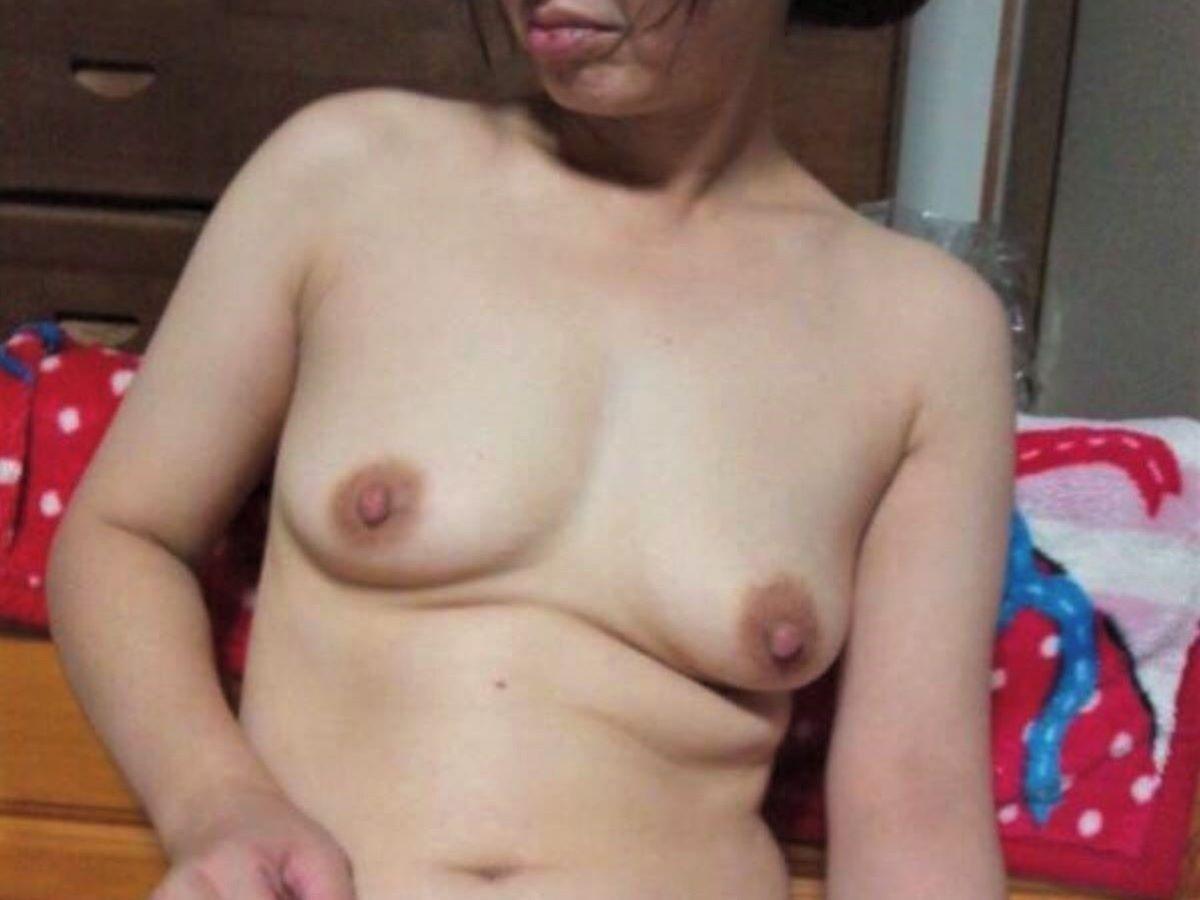素人 貧乳熟女 エロ画像 63