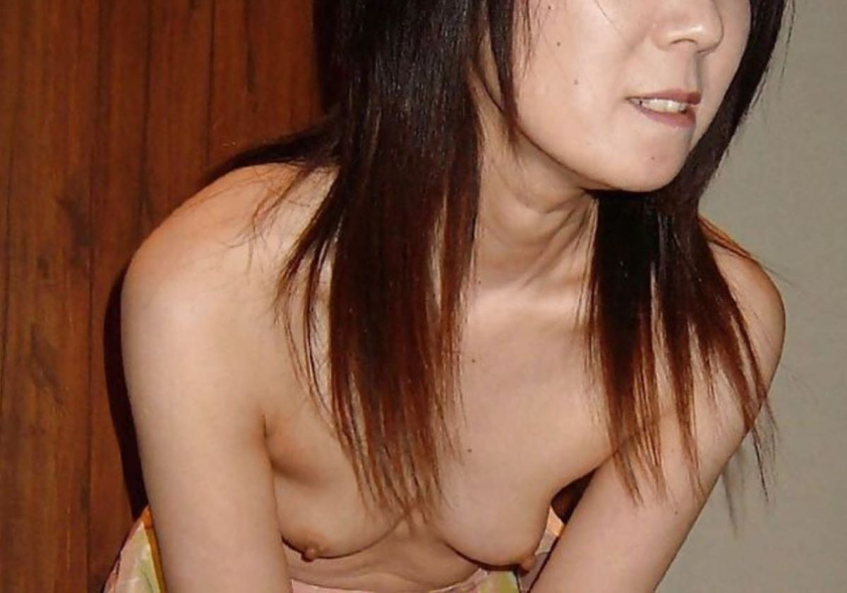 素人 貧乳熟女 エロ画像 72