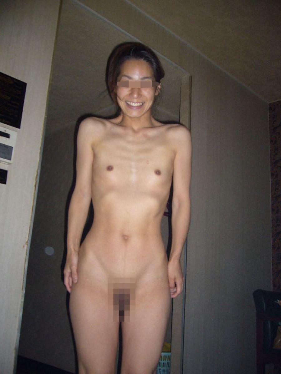 素人 貧乳熟女 エロ画像 74